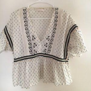 White pattern flowy top
